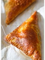 Spinach-Feta Turnovers (Individual-sized Spanakopita) recipe | TeenieCakes.com