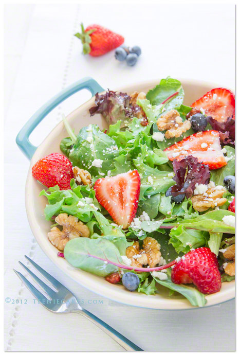 Summer Salads - Baby Greens and Strawberry Dressing from TeenieCakes.com