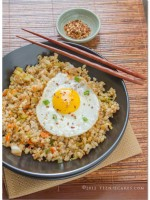 Kimchi Fried Brown Rice with Fried Egg recipe | TeenieCakes.com