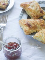 Rustic Guava Jam and Cream Cheese Pastries (pastelito de guayaba)