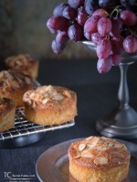 Almond, Grape Cakes (Cakelets)