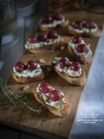 Roasted Red Grapes Crostinis with Ricotta, Pine Nuts & Thyme
