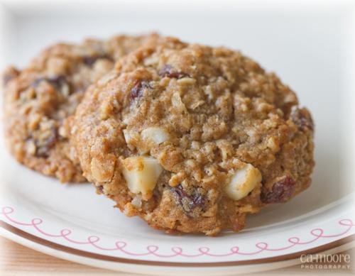 Raisin & Macadamia Oatmeal Cookies